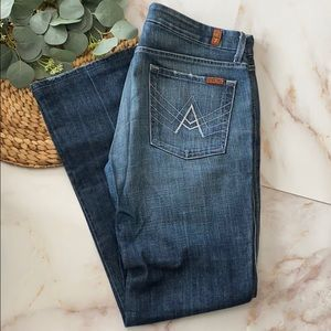 EUC - 7 for all mankind bootcut Jeans - Size 31